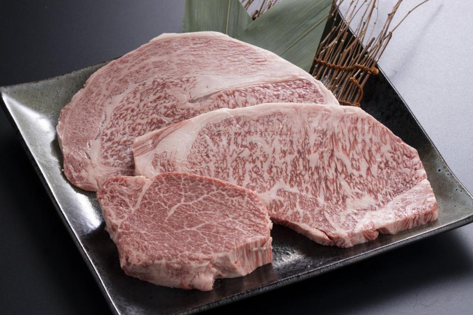 最上等級のA5ランク 鳥取県産黒毛和牛 超高級部位ステーキ食べ比べセット(3種・各1枚)